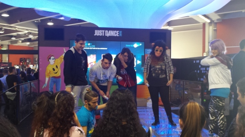 Just dance - ideal para todos os primatas.