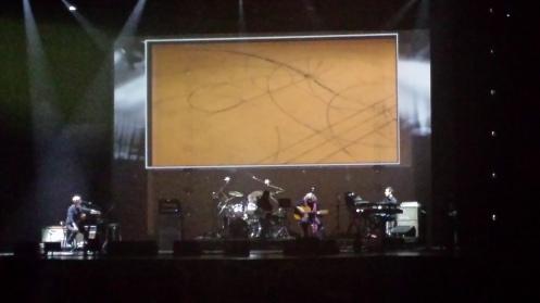 Cada música do álbum é inspirada em um vídeo - e conta a história, todas foram compostas em dois dias.