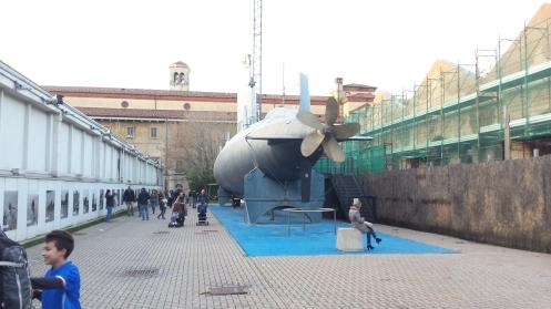 O Bowser nunca caberia dentro do seu submarino.